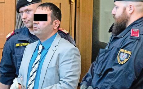Amtsleiter in Dornbirn erstochen: Lebenslange Haft