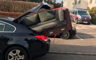 Couch falsch transportiert: Mann angezeigt