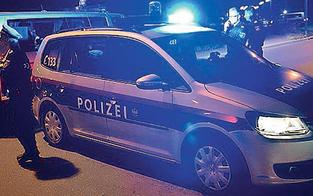 Massen-Prügelei: 18-jährige Holländerin bricht NÖ-Urlauber Kiefer