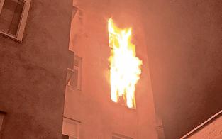 Zwei Wohnungen gingen in Flammen auf: Sieben Verletzte