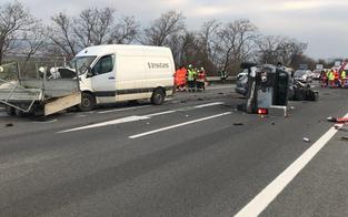 Verkehrsunfall: Vier Personen verletzt