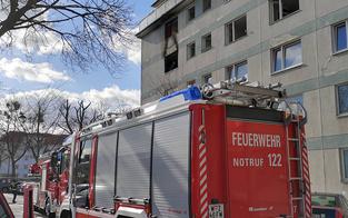 Wohnungsbrand in Wien: Großeinsatz der Feuerwehr