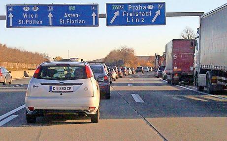 Massencrashs legten Verkehr in Linz lahm