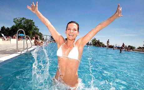 Schwimmbäder sind bereit für Sommersaison