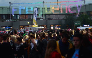 Frequency startet: 120 Acts in 3 Tagen