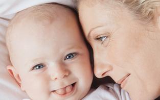 Gute Bildung von Müttern schenkt Kindern Lebenszeit