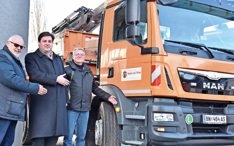 Baden errichtet als erste Stadt Abbiege-Hilfe