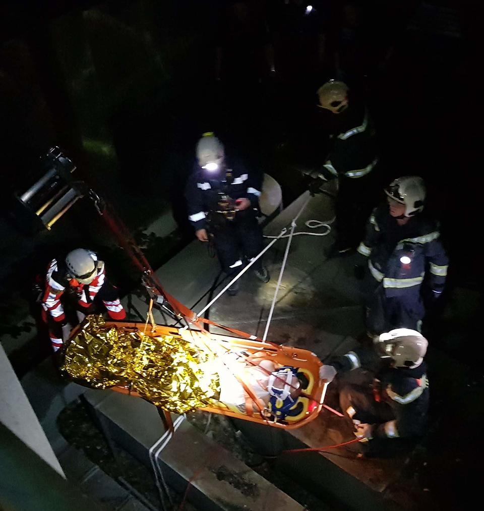 2020-06-10_abgetürzte-Person-(C)Stadt-Wien---Feuerwehr.jpg