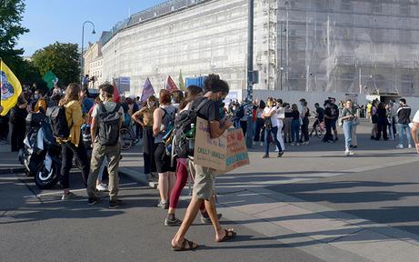 Hunderte demonstrieren in Wien für Moria-Flüchtlinge