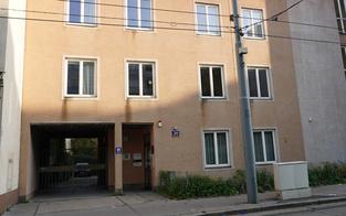 Attacke vor Wiener Klinik: 56-Jährigem Messer in Hals gerammt