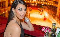 Kim Kardashians kurzes Gastspiel am Opernball 2014