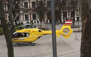 Hubschrauber-Rettungseinsatz am Karlsplatz
