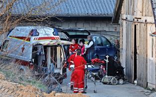 Dachboden stürzte ein: Fünf Verletzte