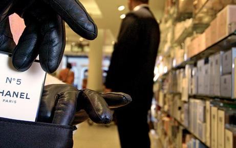 Ladendiebstähle: Neun Verdächtige festgenommen
