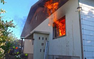 Gefährlicher Einsatz bei Brand in Baden: Munition in Haus detoniert