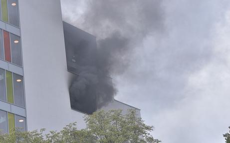 Wohnungsbrand sorgt für Großeinsatz in Wien-Döbling