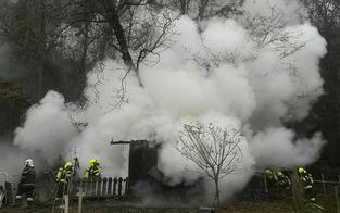 Leiche in brennender Gartenhütte entdeckt