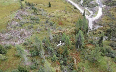 Vermisstes Flugzeug abgestürzt: Zwei Tote