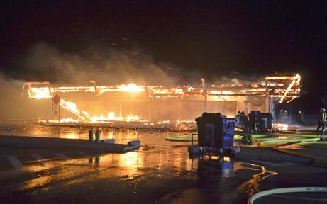Fischamend: Großbrand auf Raststation