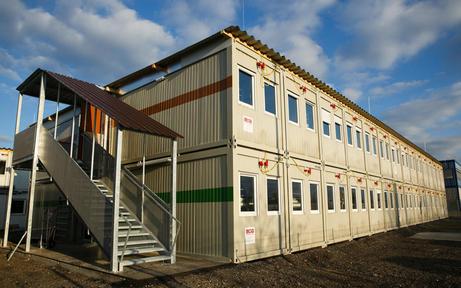 Containerdorf am Flughafen ist fertig