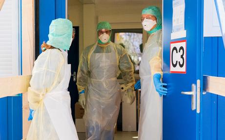 Lehrerin positiv auf Coronavirus getestet