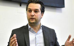 Corona: FPÖ hält erste Polit-Demo am Heldenplatz ab