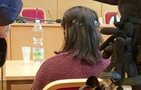 Prozess gegen Pflegerin: Mann mit Fleischmesser verletzt