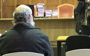 Vater erwürgt: Lebenslange Haft für ''Kunst-Experten''