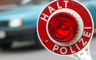 Horror-Raser mit 180 an Polizei vorbei