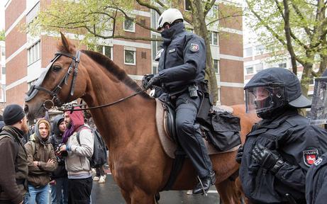 Wirbel um Test für berittene Polizei