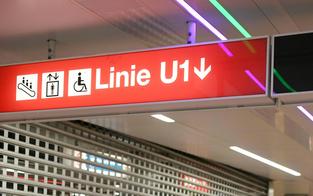 Feuerwehr-Mann in U-Bahn k.o. geprügelt