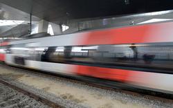 Zug-Chaos mitten im Frühverkehr nach Wien