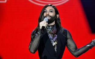 """Conchita singt """"Rise like a Phoenix"""" auf Deutsch"""