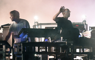 Frequency: Chemical Brothers zum Auftakt