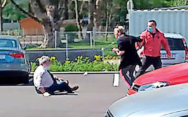 Corona-Abstand: Pärchen prügelte Pensionisten ins Spital