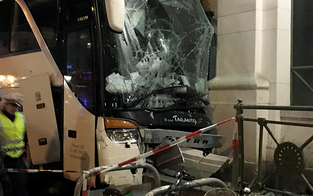 Sprung rettet Frau vor Geisterbus