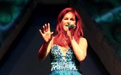 Berg zeigt opulente Pop-Märchen-Show