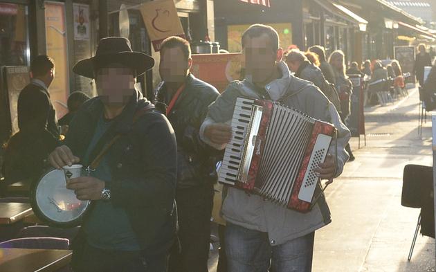 Bettler Musiker Naschmarkt