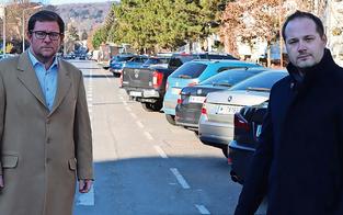 Döblings Bezirkschef tobt: ''Radweg killt 280 Parkplätze''