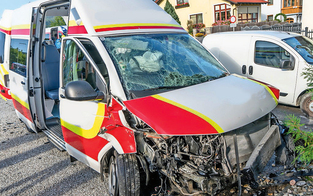 Opa schoss Rettung ab: Fünf Verletzte