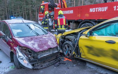 Mutter & Kinder bei Crash verletzt