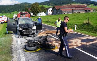 Schock: Biker (18) fing nach Unfall Feuer - schwer verletzt