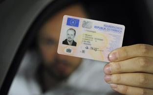 """Führerschein """"online"""" bestellt: Lenker erwischt"""