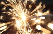 Mann hantierte mit Feuerwerkskörper: Drei Verletzte