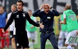 Sturm-Trainer rastet komplett aus: Anzeige