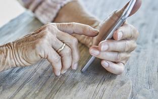 Oma telefonierte mit Enkerl: Telefonrechnung explodiert