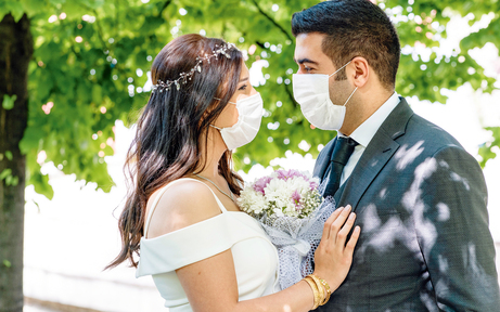 Braut nach Ja-Wort positiv getestet
