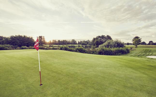 Die Elite-Golfplatzwarte lernen Handwerk in Warth