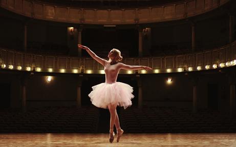 'Ballet Jeunesse' entfacht Begeisterung im Theater