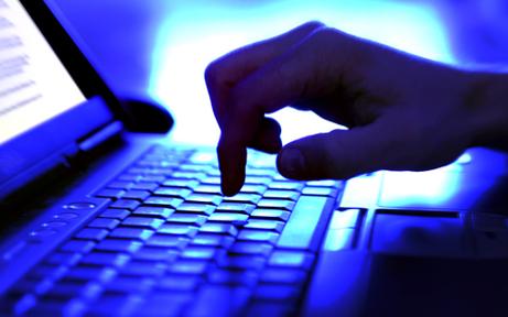 Dreister Internet-Betrüger zockte 180.000 Euro von Omi ab